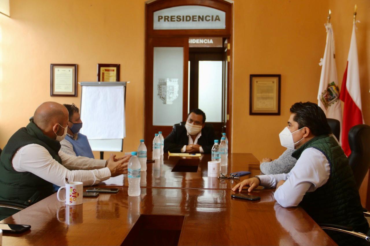 GOBIERNO MUNICIPAL SE REÚNE CON REPRESENTANTES DE CÁMARAS DE COMERCIO EN TEHUACÁN
